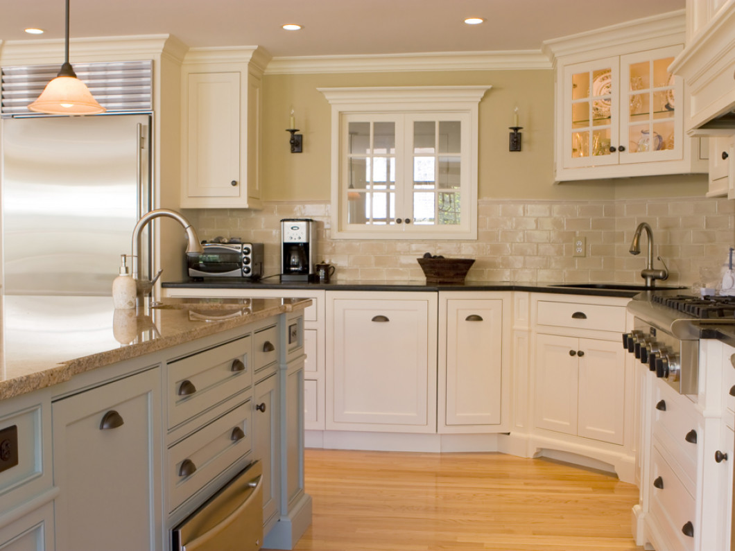Do You Need Kitchen Cabinet Refinishing Services?